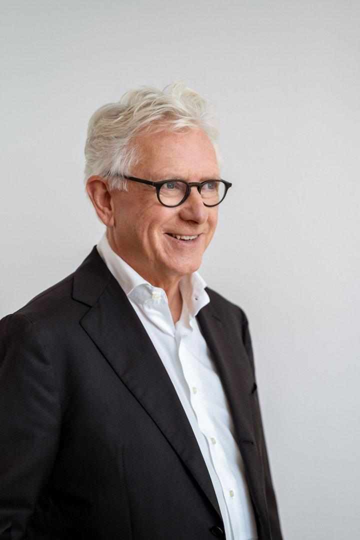 尤根·恩格尔 (Jürgen Engel)